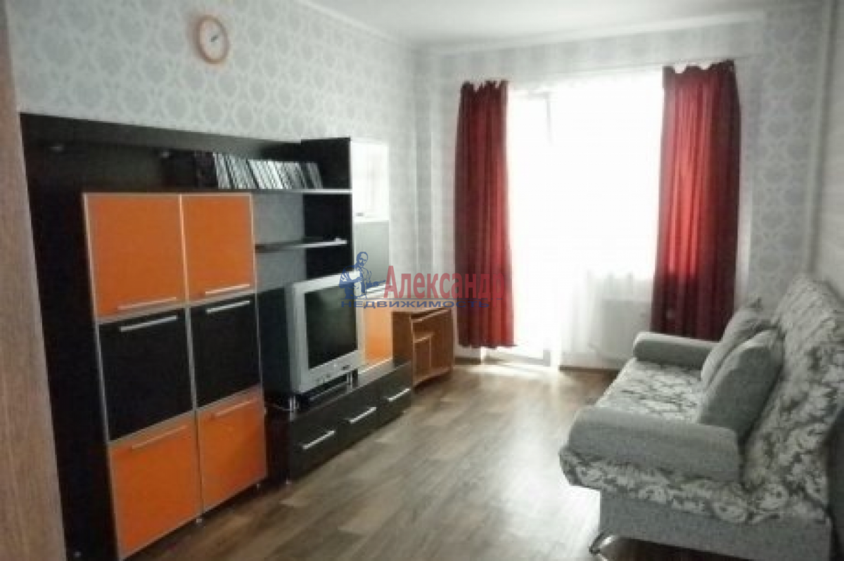 Комната в 2-комнатной квартире (49м2) в аренду по адресу Наличная ул., 36— фото 1 из 3