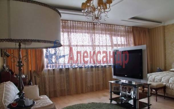 4-комнатная квартира (137м2) в аренду по адресу Пестеля ул., 7— фото 4 из 5