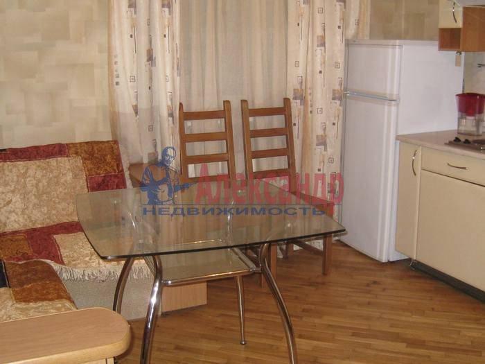 1-комнатная квартира (55м2) в аренду по адресу 2 Никитинская ул., 53— фото 1 из 10