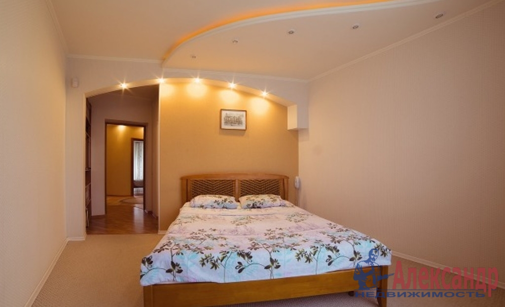 3-комнатная квартира (100м2) в аренду по адресу Средний В.О. пр., 85— фото 3 из 7