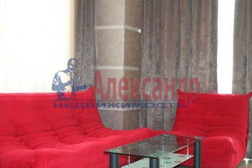 1-комнатная квартира (43м2) в аренду по адресу Кронштадтская ул., 13— фото 2 из 8