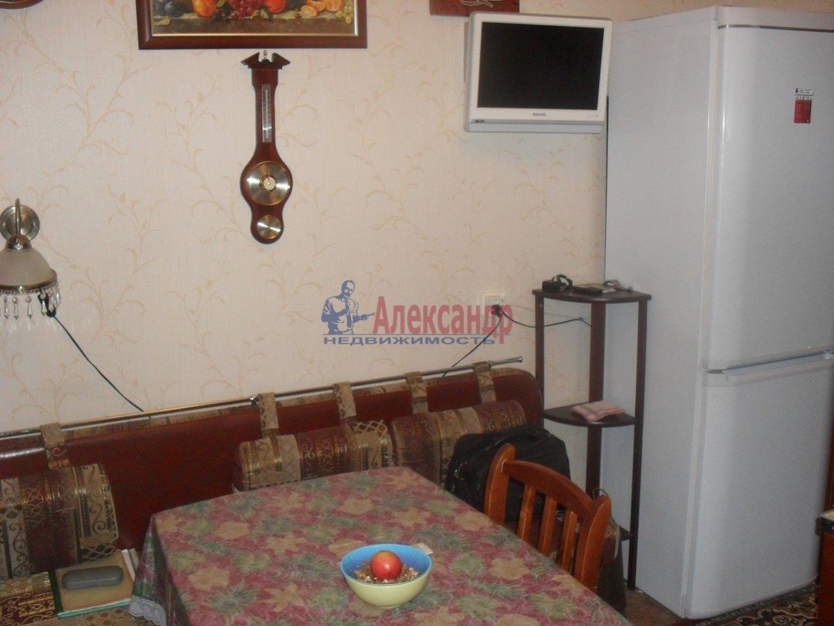 1-комнатная квартира (42м2) в аренду по адресу Малая Бухарестская ул., 10— фото 3 из 7