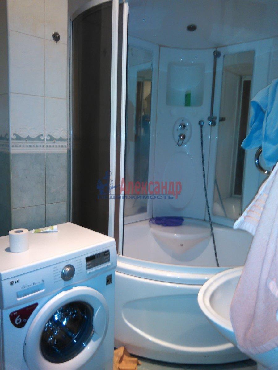 Комната в 2-комнатной квартире (87м2) в аренду по адресу Средний В.О. пр., 33— фото 8 из 8