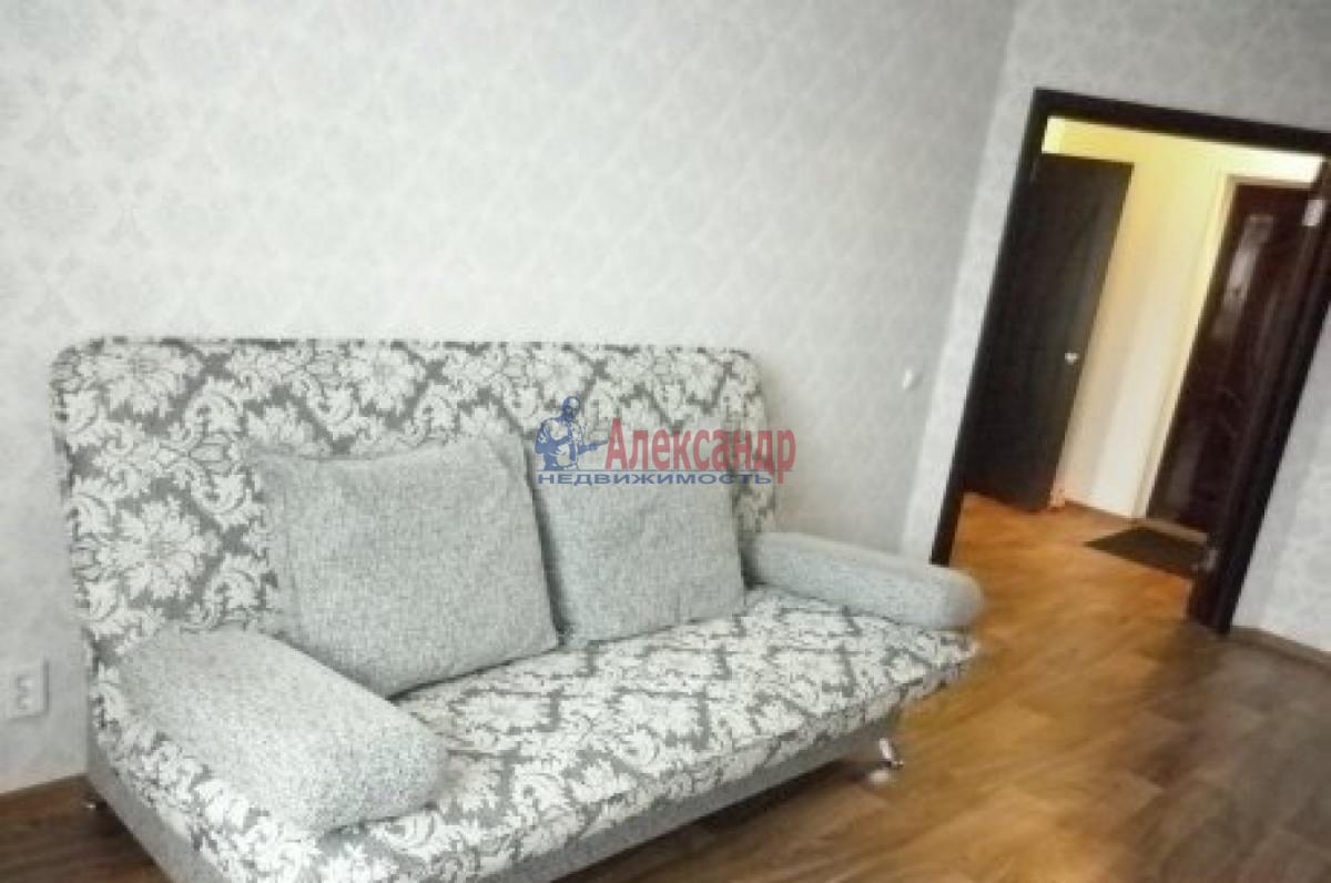 Комната в 2-комнатной квартире (49м2) в аренду по адресу Наличная ул., 36— фото 2 из 3