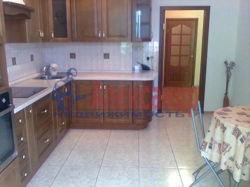 1-комнатная квартира (45м2) в аренду по адресу Композиторов ул., 18— фото 6 из 8