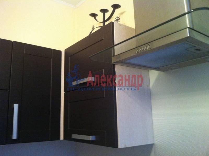 1-комнатная квартира (40м2) в аренду по адресу Большая Московская ул.— фото 2 из 6