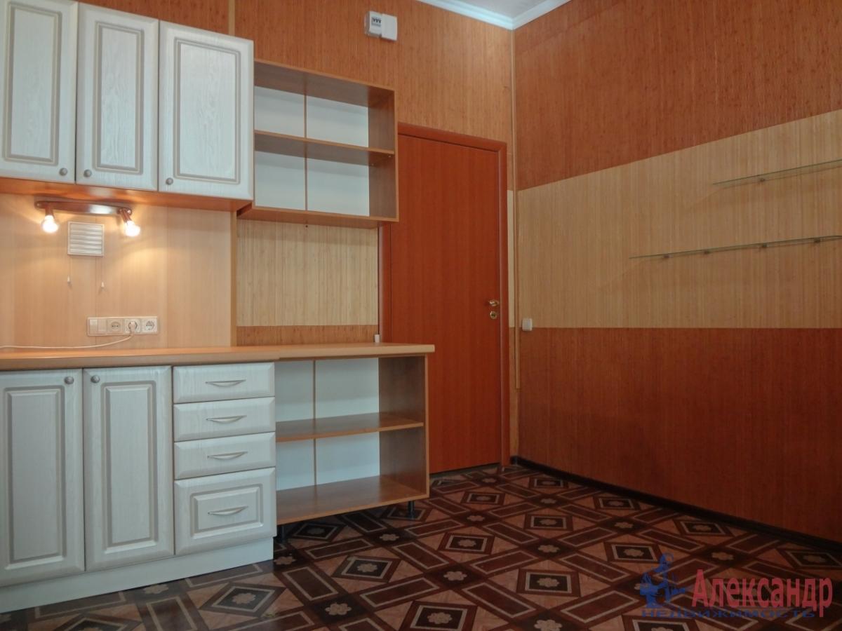 Комната в 4-комнатной квартире (118м2) в аренду по адресу Свечной пер., 7— фото 2 из 5