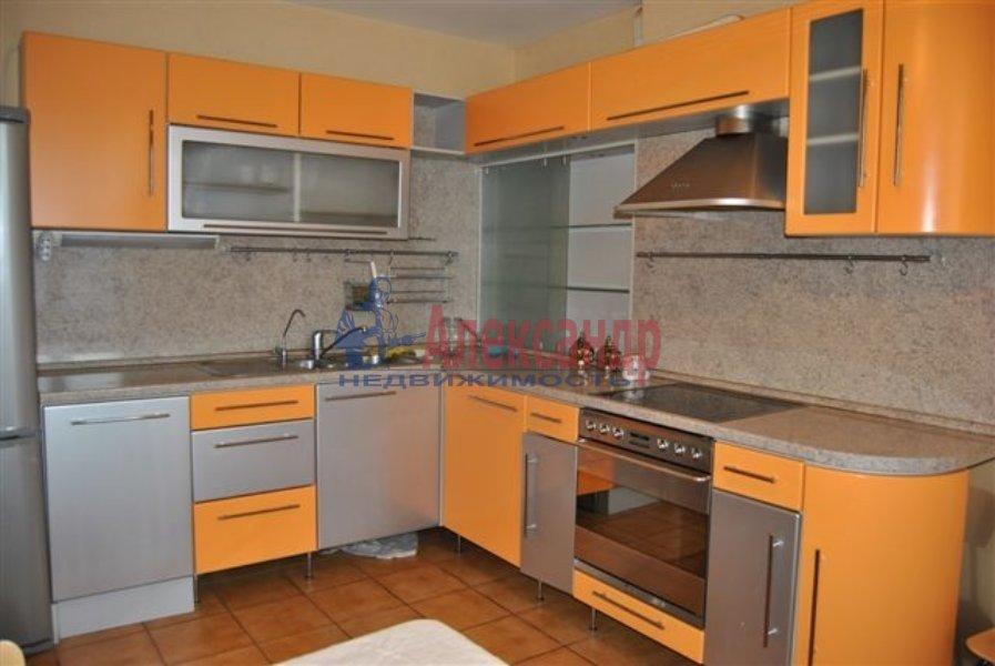 1-комнатная квартира (40м2) в аренду по адресу Кирочная ул., 17— фото 2 из 2