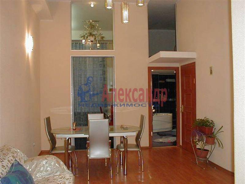 2-комнатная квартира (78м2) в аренду по адресу Невский пр., 67— фото 1 из 2