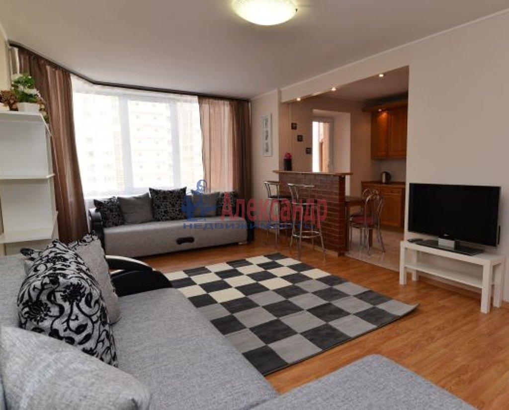 3-комнатная квартира (100м2) в аренду по адресу Луначарского пр., 11— фото 1 из 5