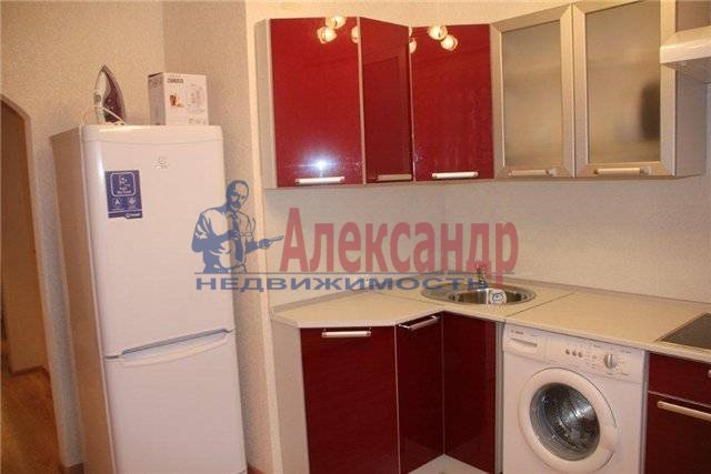 1-комнатная квартира (38м2) в аренду по адресу Караваевская ул., 28— фото 1 из 4