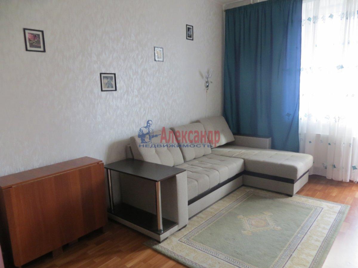 1-комнатная квартира (36м2) в аренду по адресу 11 линия В.О., 44— фото 1 из 4