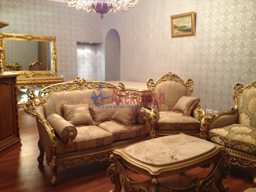 3-комнатная квартира (114м2) в аренду по адресу Чехова ул., 11/13— фото 1 из 9