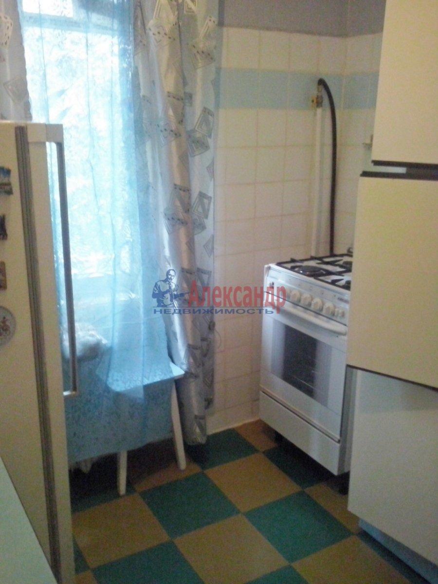 Комната в 3-комнатной квартире (58м2) в аренду по адресу Энергетиков пр., 40— фото 1 из 4