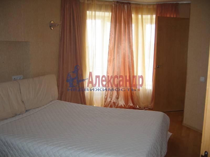 4-комнатная квартира (120м2) в аренду по адресу Новосмоленская наб., 1— фото 6 из 10
