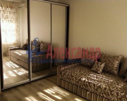 1-комнатная квартира (42м2) в аренду по адресу Коломяжский пр., 15— фото 1 из 3