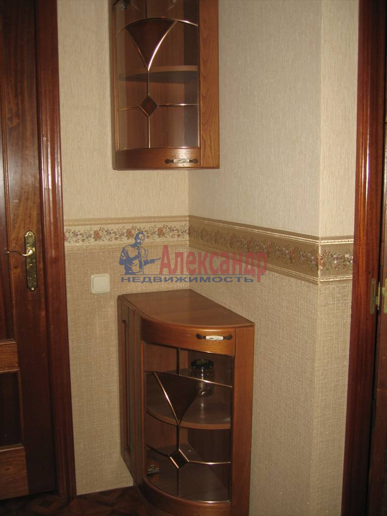 2-комнатная квартира (61м2) в аренду по адресу Стачек пр., 94— фото 5 из 7