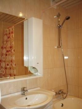 3-комнатная квартира (79м2) в аренду по адресу Краснопутиловская ул., 11— фото 4 из 4