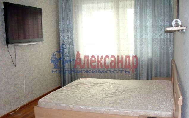 2-комнатная квартира (52м2) в аренду по адресу Ворошилова ул., 25— фото 2 из 4