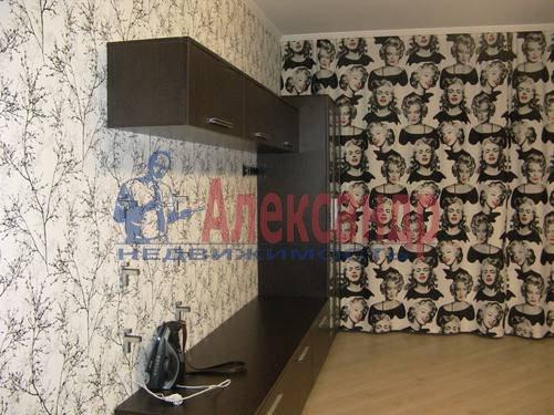 2-комнатная квартира (60м2) в аренду по адресу Космонавтов просп., 65— фото 1 из 21