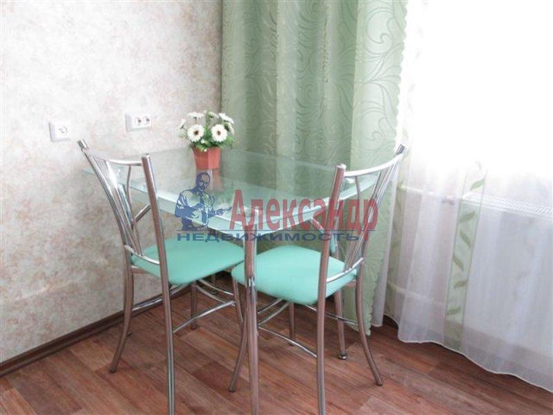 1-комнатная квартира (35м2) в аренду по адресу Обуховской Обороны пр., 138— фото 3 из 4