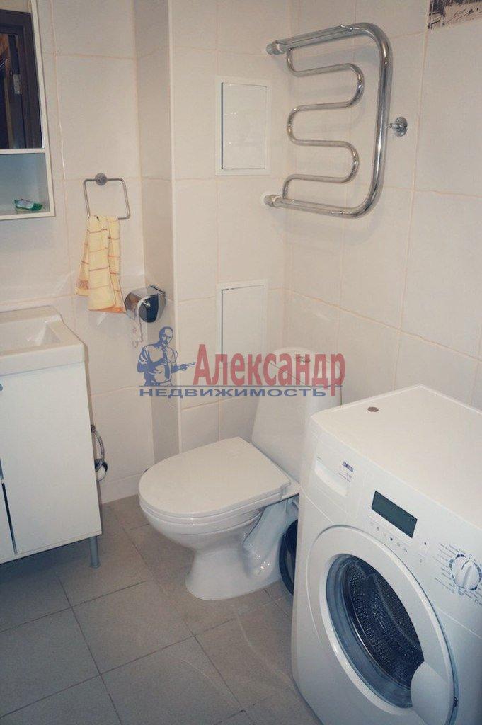 1-комнатная квартира (40м2) в аренду по адресу Одоевского ул., 28— фото 3 из 3