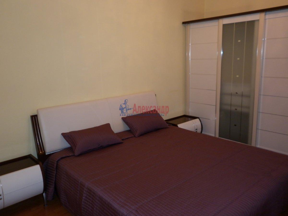 2-комнатная квартира (80м2) в аренду по адресу Асафьева ул., 5— фото 1 из 11