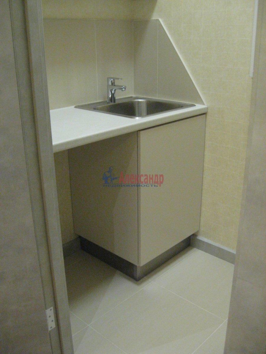 3-комнатная квартира (111м2) в аренду по адресу Беринга ул., 5— фото 8 из 32