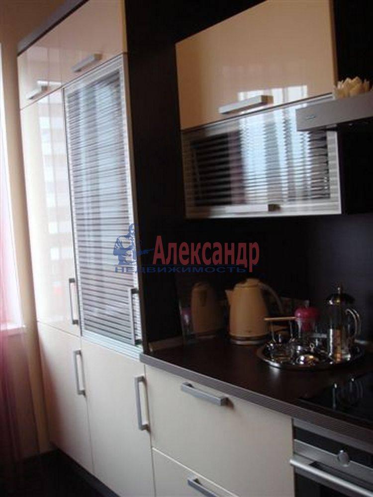 2-комнатная квартира (69м2) в аренду по адресу Сестрорецк г., Токарева ул.— фото 2 из 4