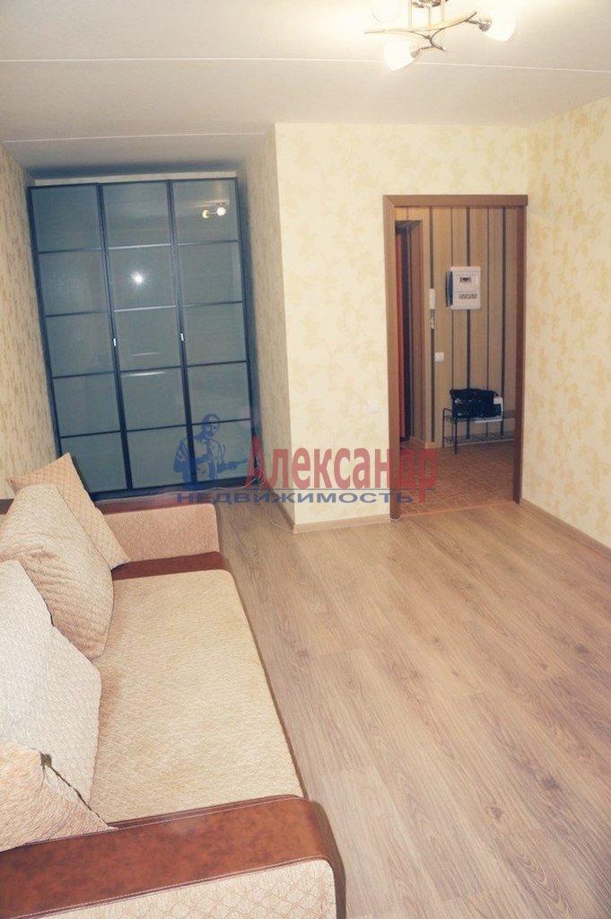 1-комнатная квартира (40м2) в аренду по адресу Одоевского ул., 28— фото 2 из 3
