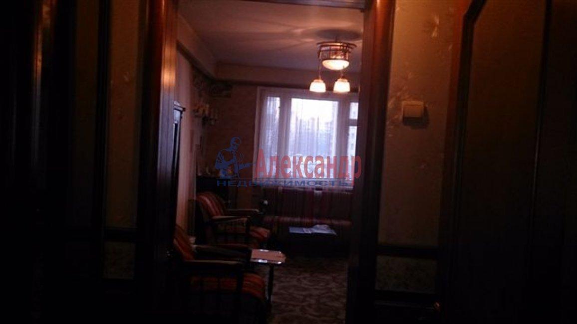1-комнатная квартира (38м2) в аренду по адресу Комендантская пл.— фото 1 из 1