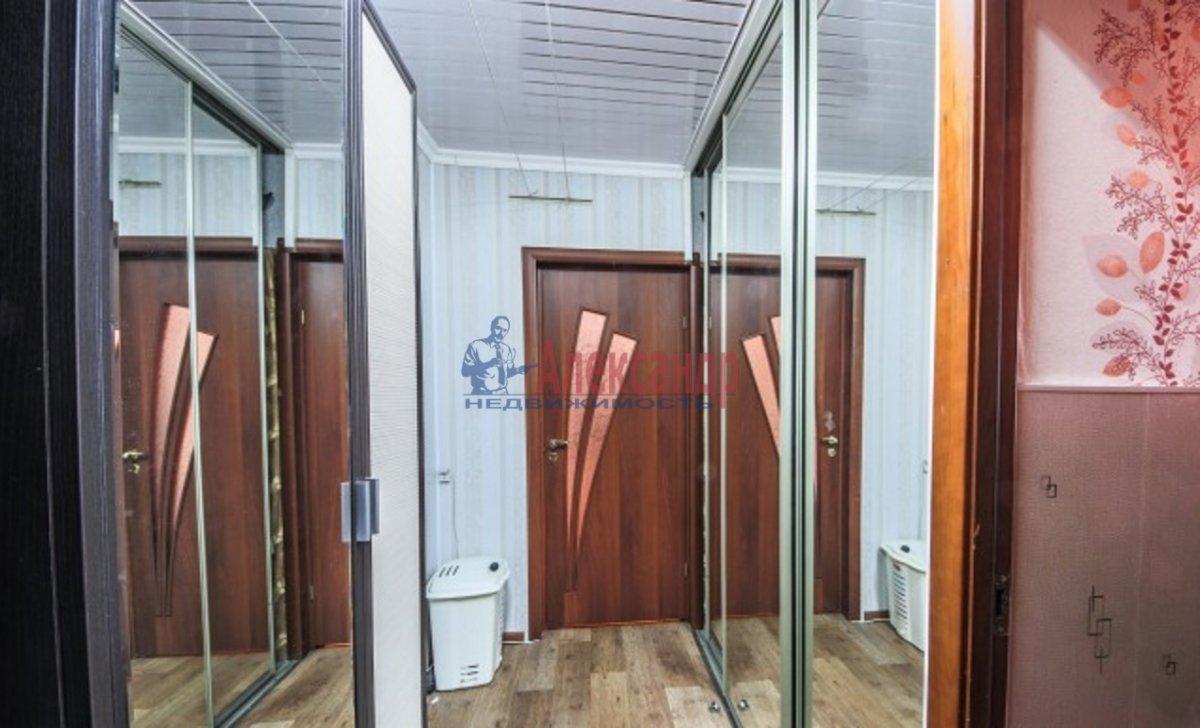 3-комнатная квартира (70м2) в аренду по адресу Композиторов ул., 24— фото 7 из 7