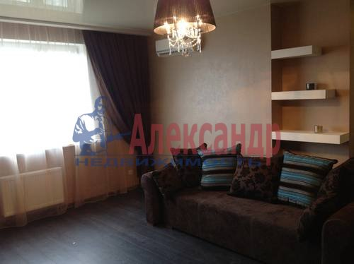 1-комнатная квартира (50м2) в аренду по адресу Морская наб., 37— фото 3 из 6