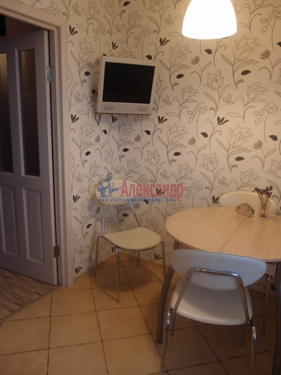 1-комнатная квартира (42м2) в аренду по адресу Яхтенная ул., 9— фото 4 из 6