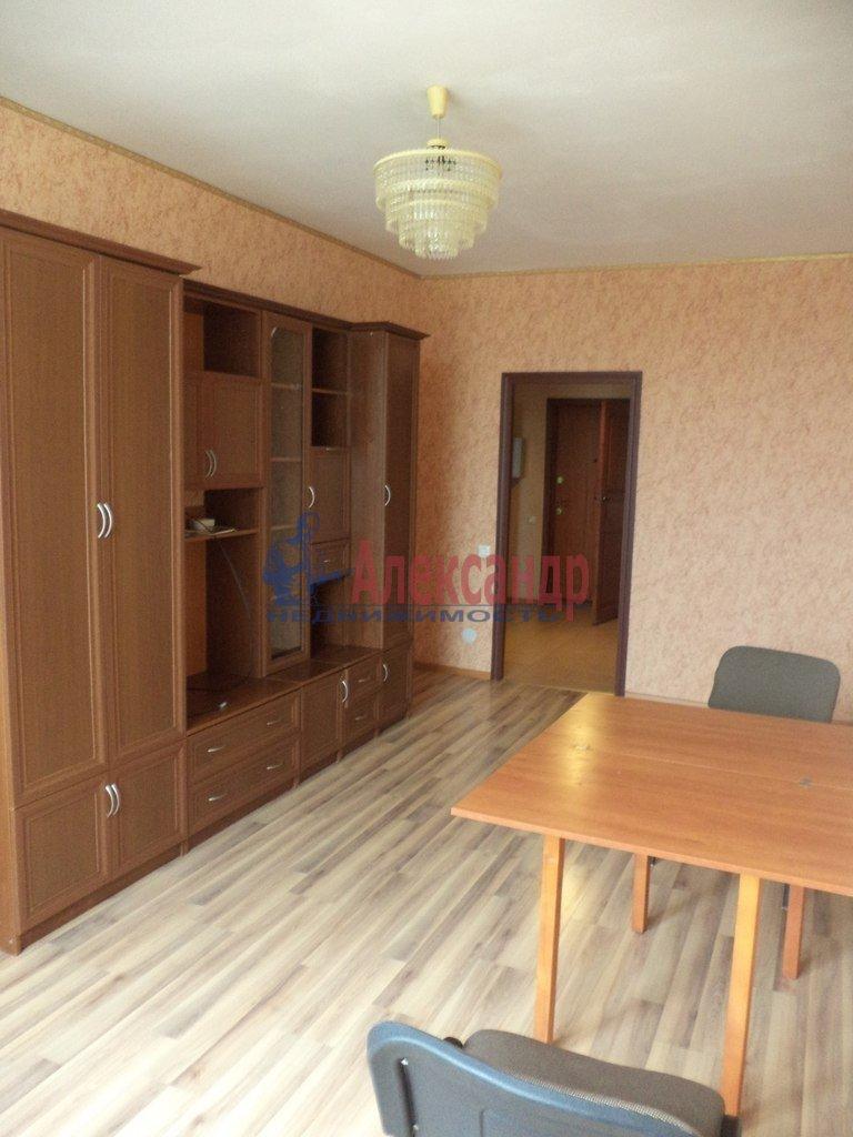 1-комнатная квартира (47м2) в аренду по адресу Будапештская ул., 7— фото 1 из 8