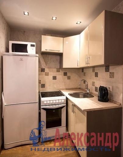 2-комнатная квартира (69м2) в аренду по адресу Союзный пр., 4— фото 2 из 6
