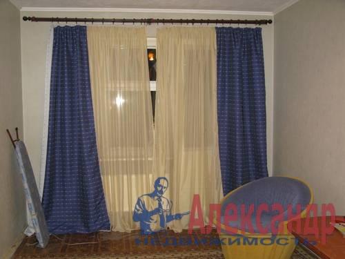 1-комнатная квартира (34м2) в аренду по адресу Камышовая ул., 11— фото 2 из 5