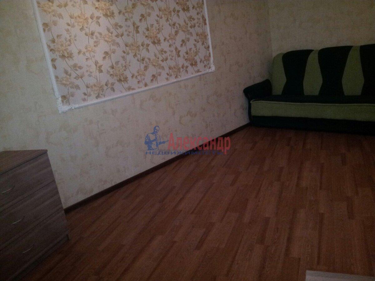 2-комнатная квартира (46м2) в аренду по адресу Шелгунова ул., 7— фото 12 из 16