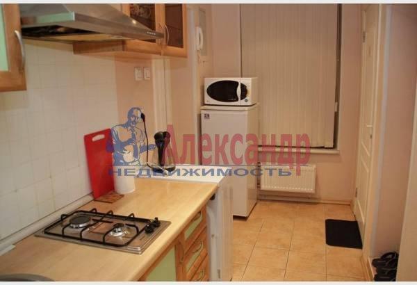1-комнатная квартира (32м2) в аренду по адресу Адмиралтейский пр., 10— фото 3 из 8