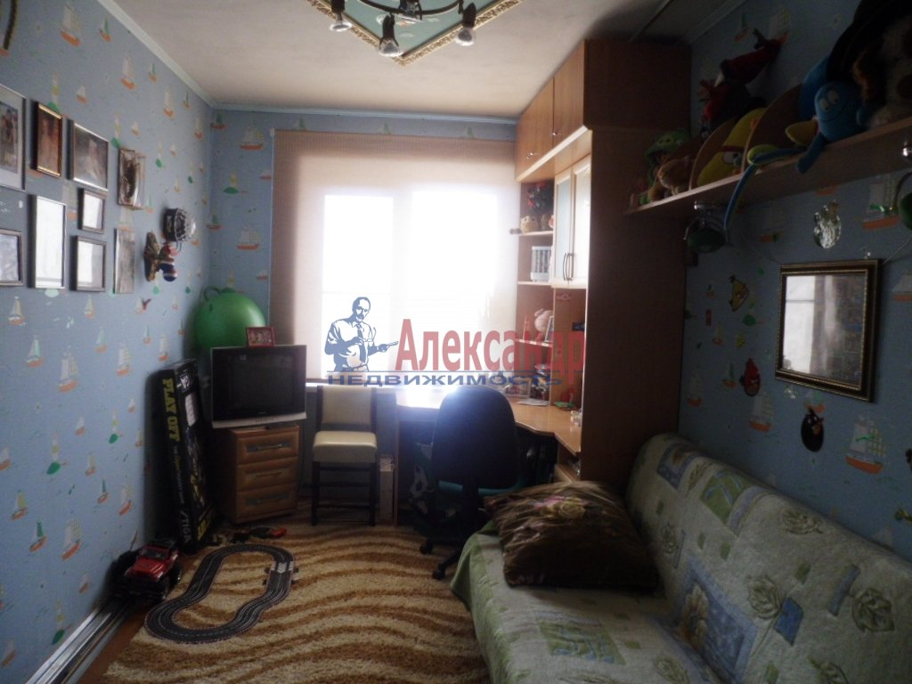 2-комнатная квартира (41м2) в аренду по адресу Сортавала г., Дружбы Народов ул., 7— фото 2 из 5