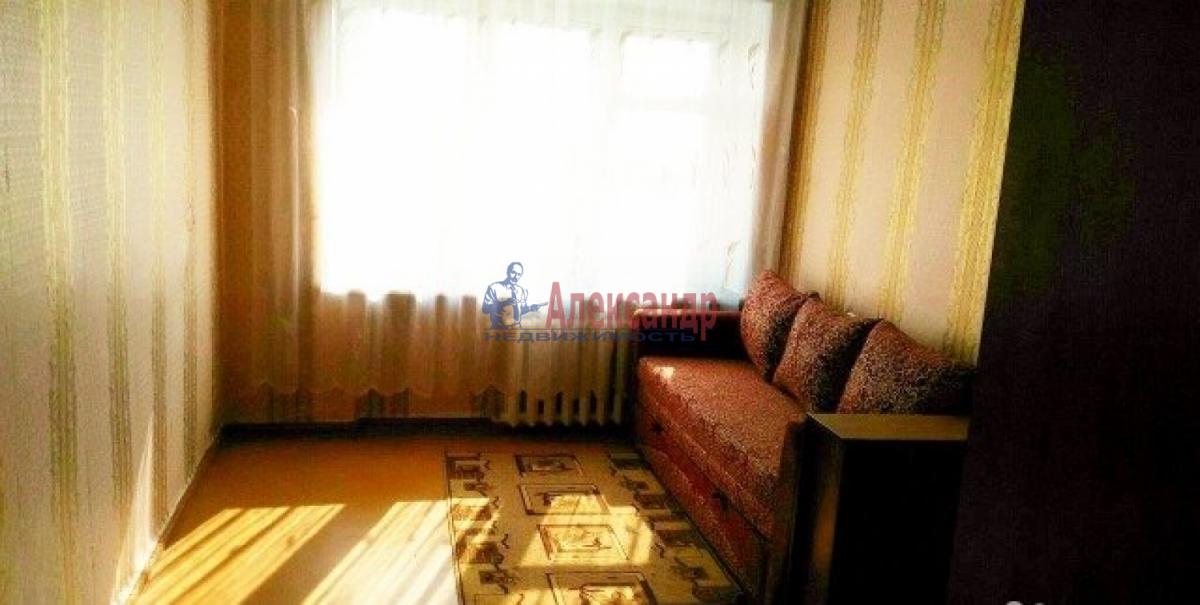 Комната в 4-комнатной квартире (96м2) в аренду по адресу 9 линия В.О., 48— фото 2 из 4
