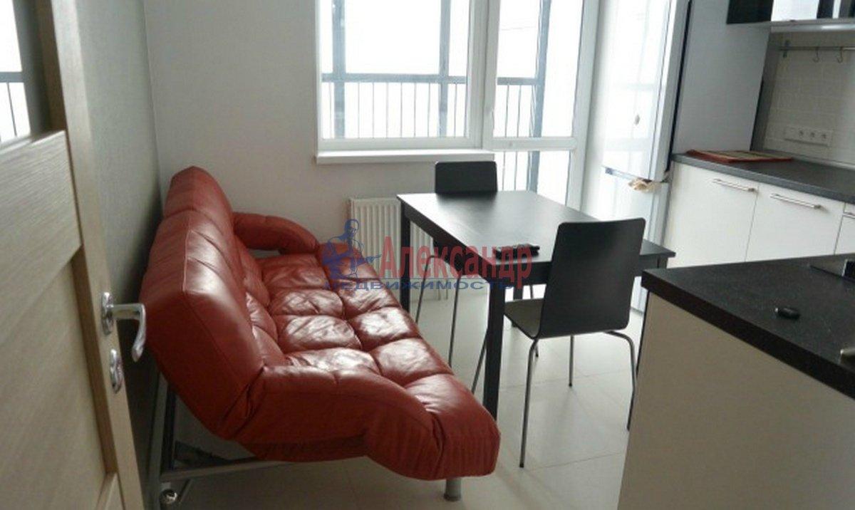 2-комнатная квартира (60м2) в аренду по адресу Адмирала Черокова ул., 18— фото 1 из 3