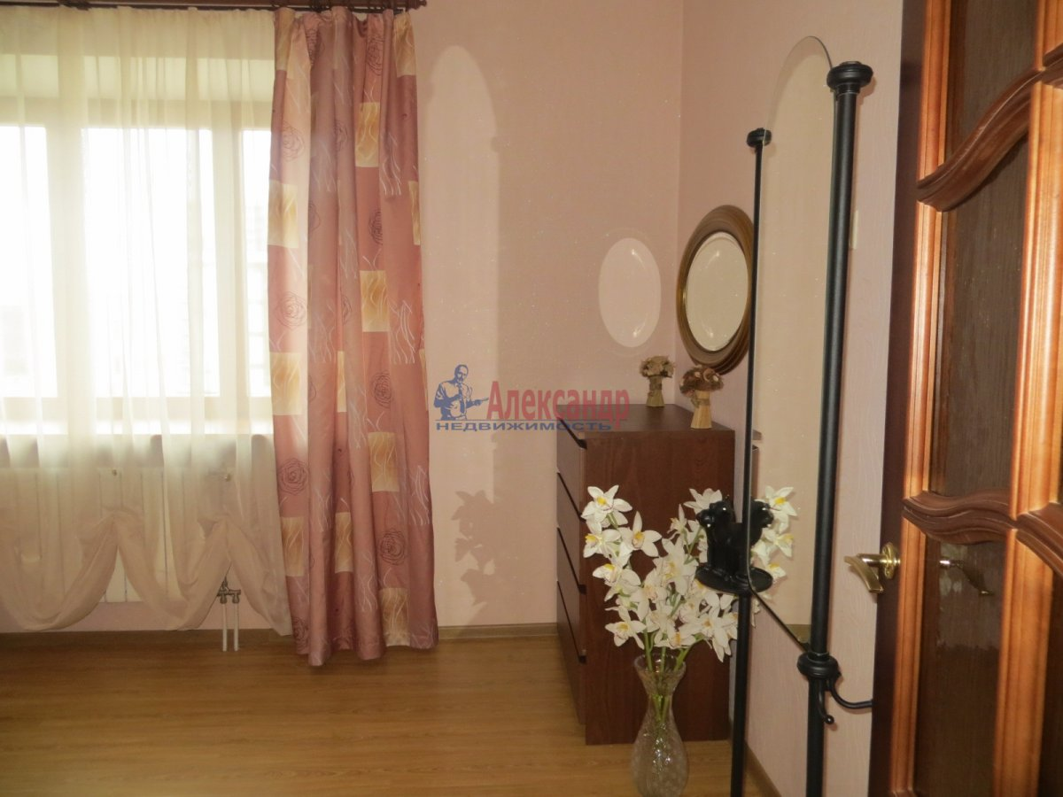 1-комнатная квартира (41м2) в аренду по адресу Загребский бул., 9— фото 2 из 2