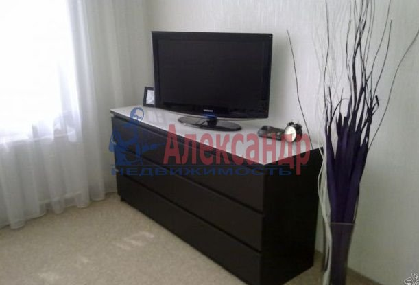 1-комнатная квартира (40м2) в аренду по адресу Маршала Казакова ул., 26— фото 4 из 4