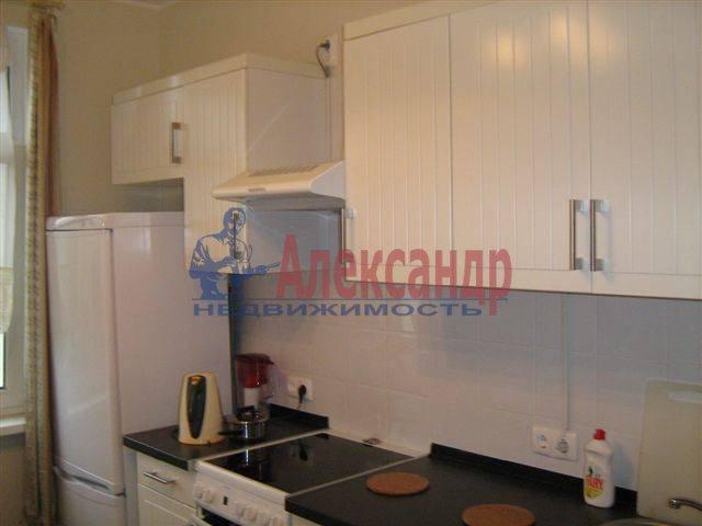 1-комнатная квартира (35м2) в аренду по адресу Исполкомская ул., 4— фото 5 из 8