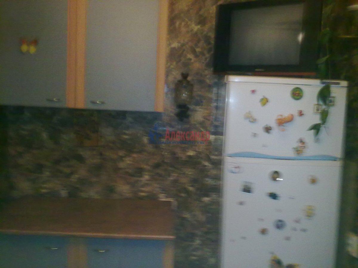 1-комнатная квартира (35м2) в аренду по адресу Малая Бухарестская ул., 2— фото 2 из 3