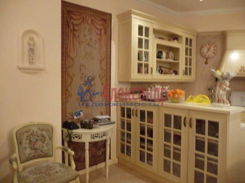 3-комнатная квартира (115м2) в аренду по адресу Крестовский пр., 13— фото 1 из 2