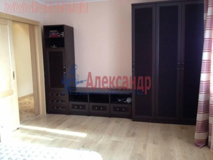 2-комнатная квартира (60м2) в аренду по адресу Софьи Ковалевской ул., 14— фото 4 из 4