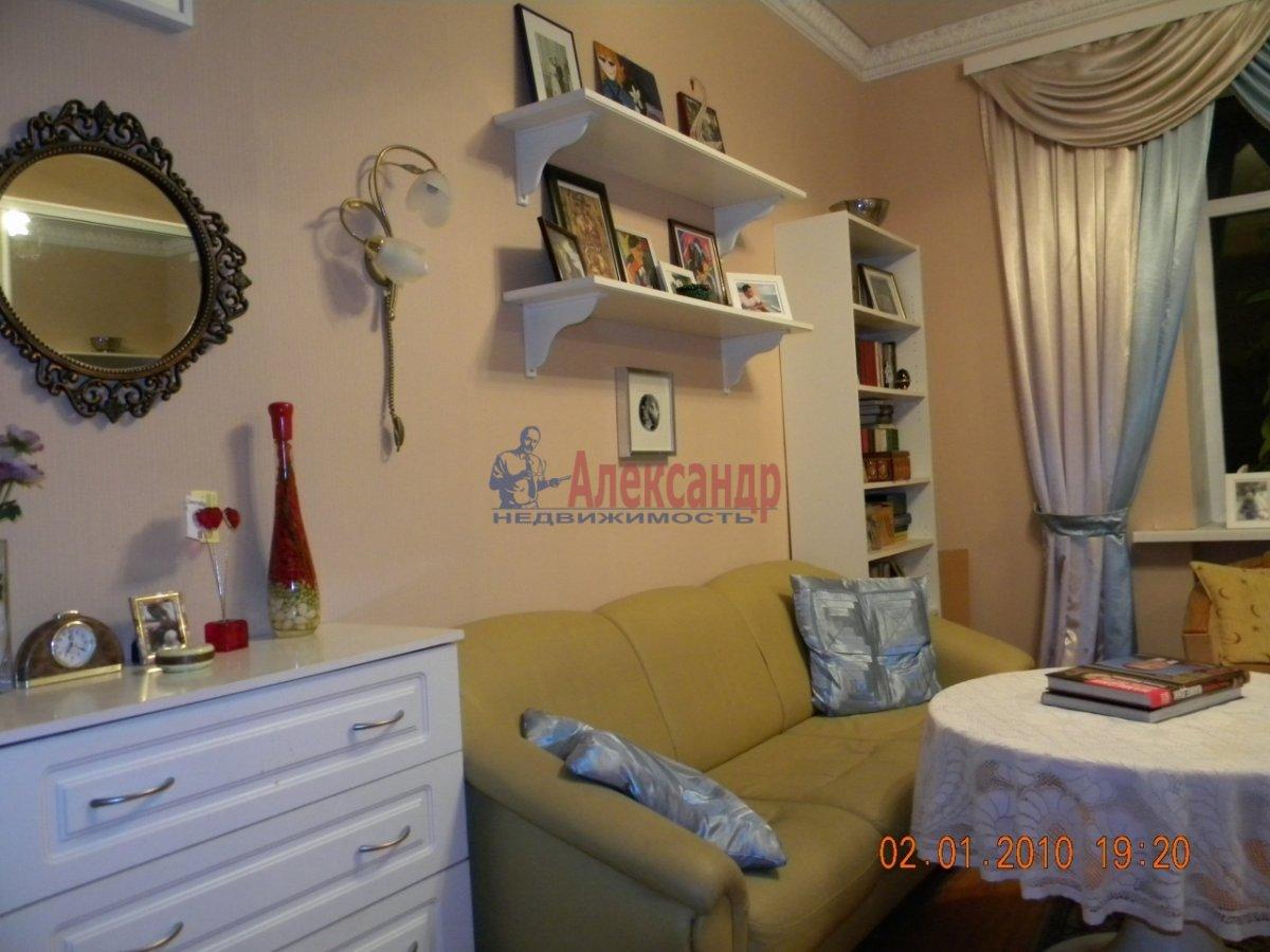1-комнатная квартира (40м2) в аренду по адресу Комиссара Смирнова ул., 8— фото 2 из 7