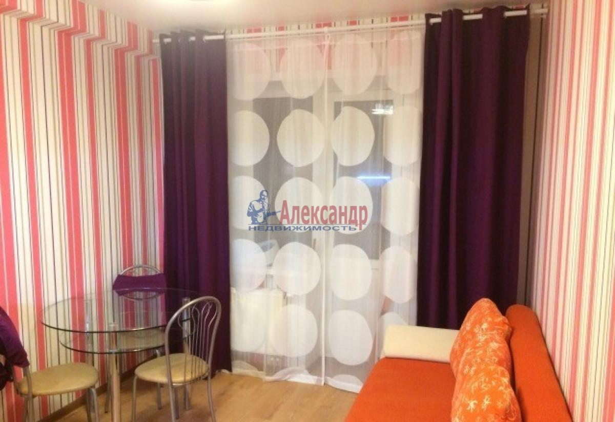 1-комнатная квартира (40м2) в аренду по адресу Ленинский пр., 111— фото 1 из 8